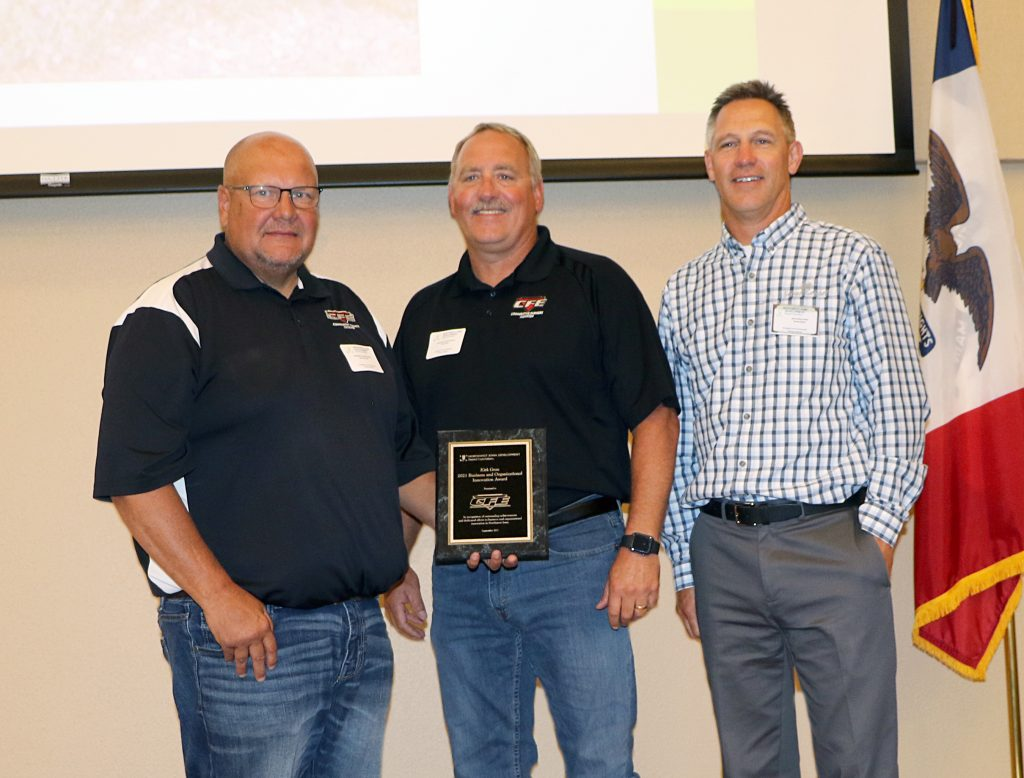 CFE Award recipients Steve Peterson, Rob Jacobs and presenter Dennis Dokter